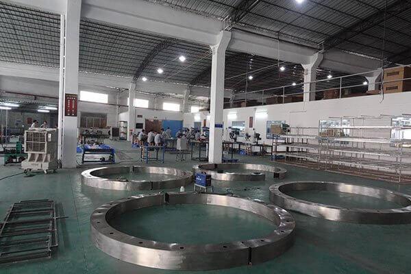 Metal Workshop for Crystal Chandelier Manufacturing